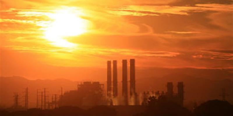 AFP_111216_zz9ar_usines-rechauffement_sn635