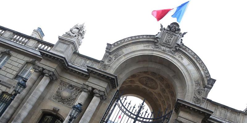 Palais-de-l-Elysee-la-grille-d-entree-rue-du-Fbg-St-Honore_exact1024x768_l